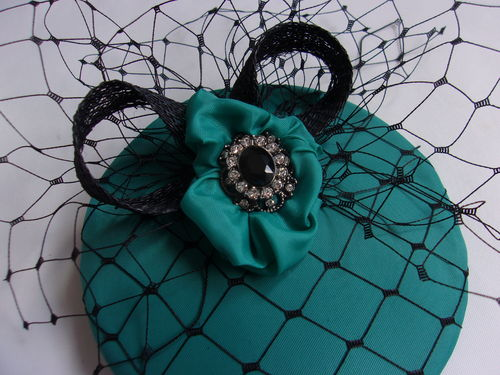 Emerald Green Steampunk Daphne Peacock Feather and Cogs Hair Clip Fascinator