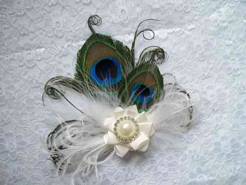 Ivory Little Gem Peacock Feather Hair Clip