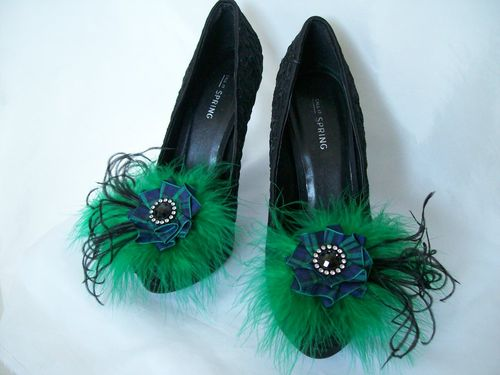 Tartan Ribbon Ruffle & Feather Shoe Clips