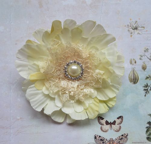 Buttercream & Pale Gold Poppy Brooch