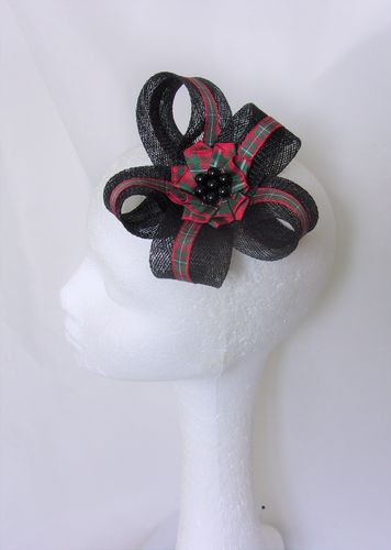 Black and Red Tartan Lily Clip